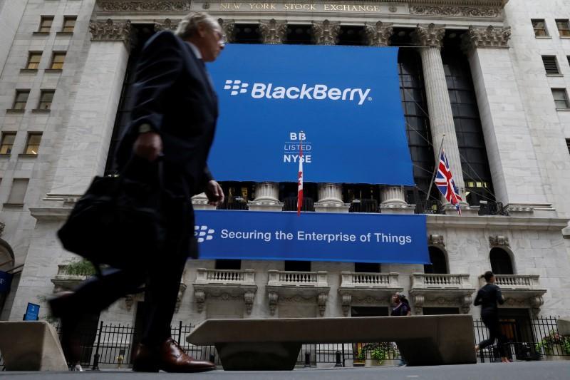 高通、黑莓宣布扩大合作,联手进军互联网汽车