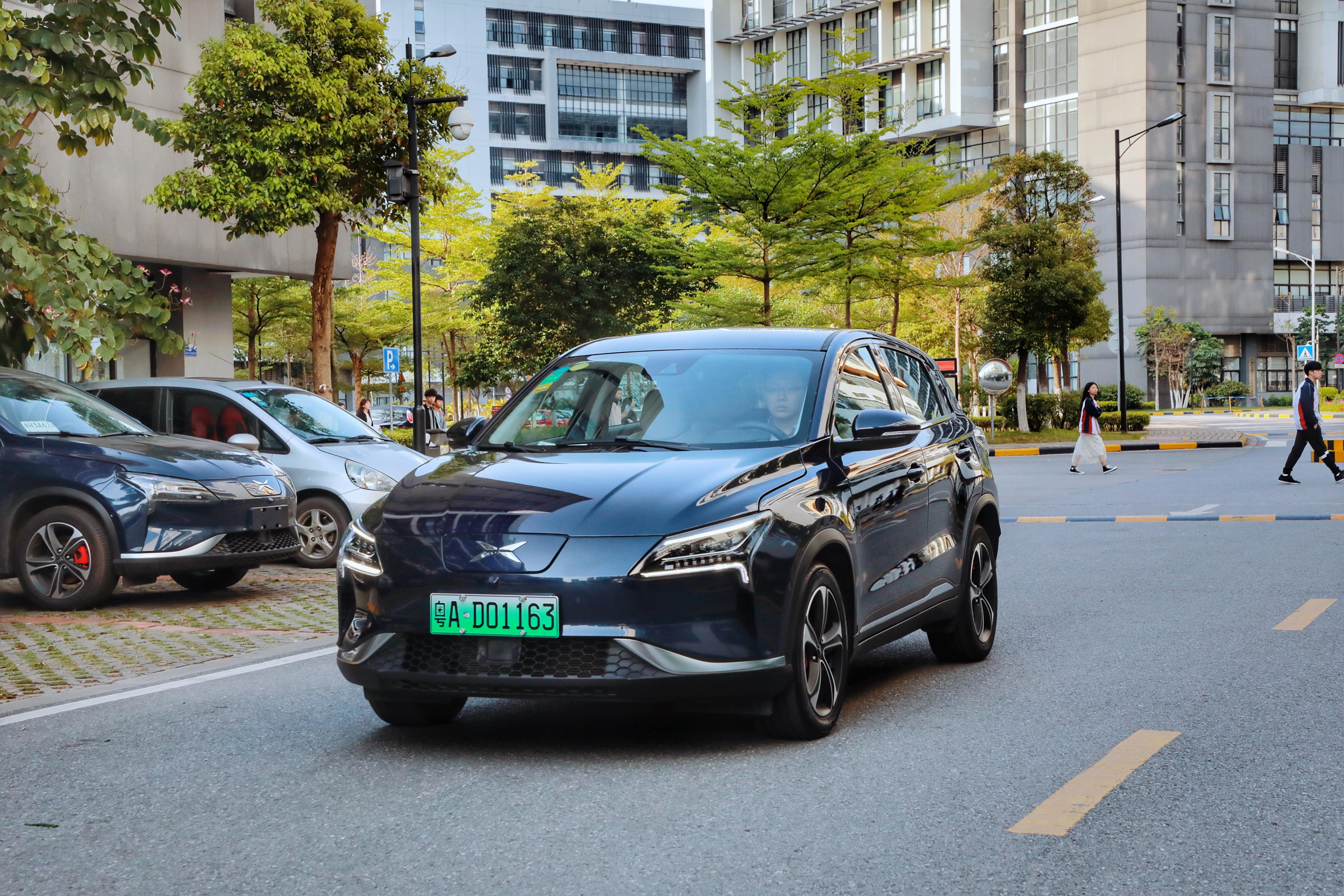 小鹏汽车获新能源汽车专用号牌  造车新势力量产大战加速