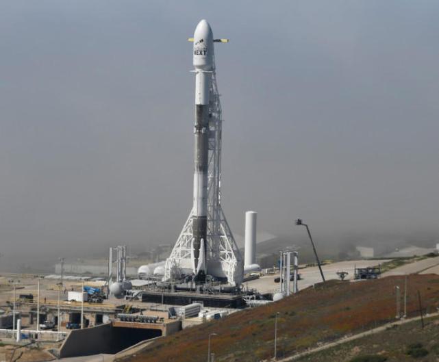 """SpaceX""""猎鹰9号""""火箭今晚发射 携带10颗通信卫星"""