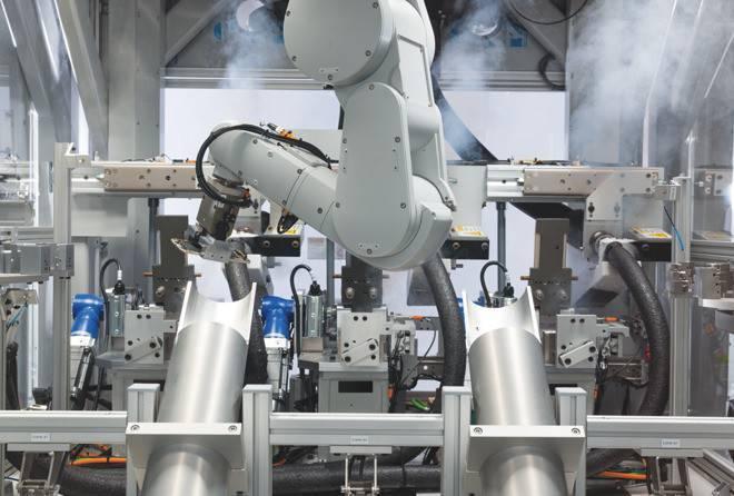 苹果公布新款回收机器人黛西:每小时拆200部iPhone