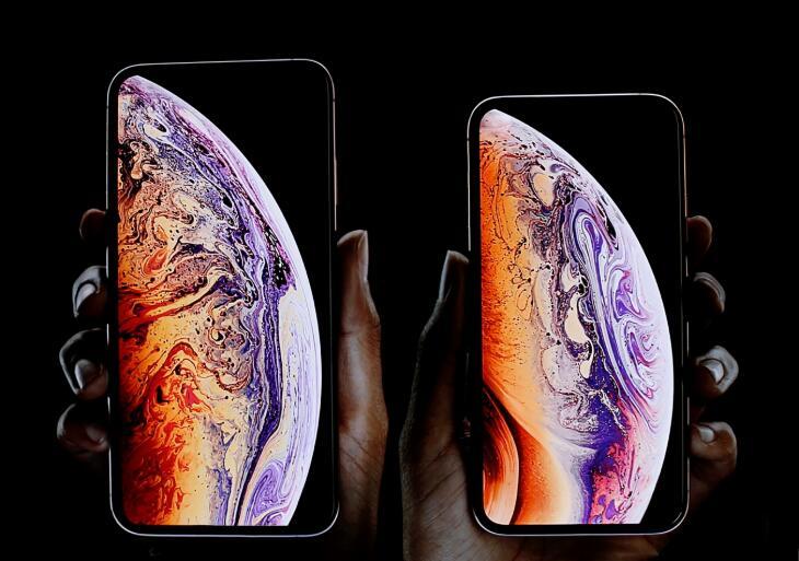库克给出了购买新iPhone的两个理由:功能强大还能分期付款