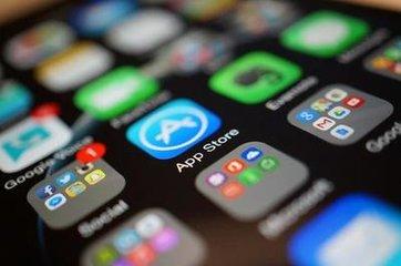 2018全球App下载量1940亿次 网民1/2时间花费在社交媒体