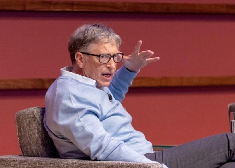 比尔·盖茨谈AI:保险起见应主要用于教育和健康领域