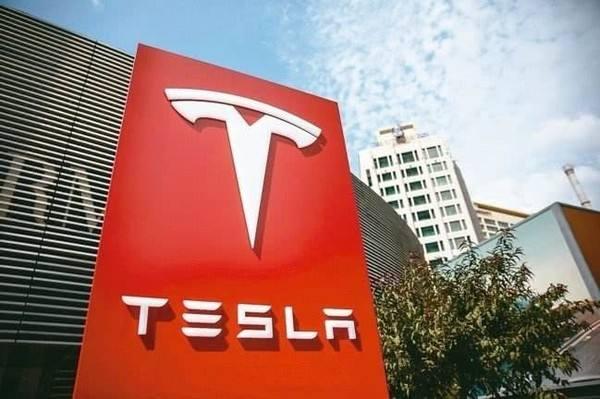 特斯拉:北京客戶可享三年免息融資購車并免費租賃車牌服務