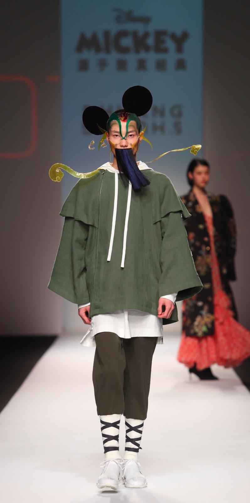 走上时装周T台的90岁米奇:迪士尼的时尚野心-C3动漫网