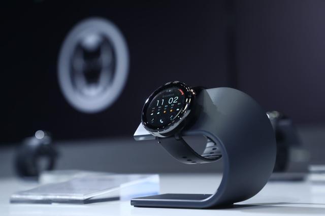 华米科技AMAZFIT米动健康手表,699元的贴身健康管家