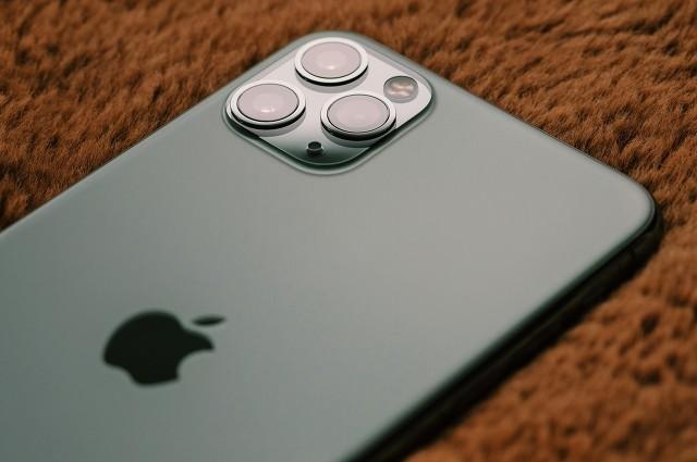 苹果iPhone 12镜头被爆出产品质量故障