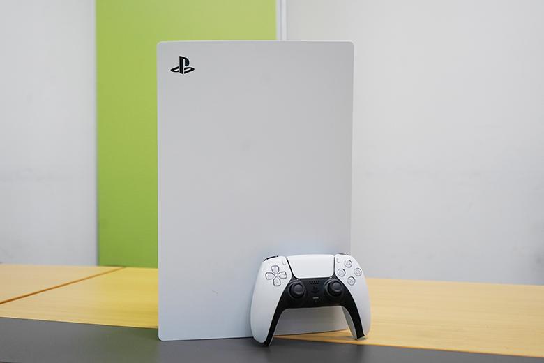 可玩全区光盘游戏 索尼PS5真机抢先看!