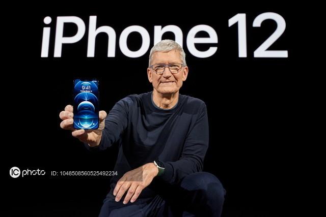 苹果新专利曝光 MacBook有望为iPhone无线充电