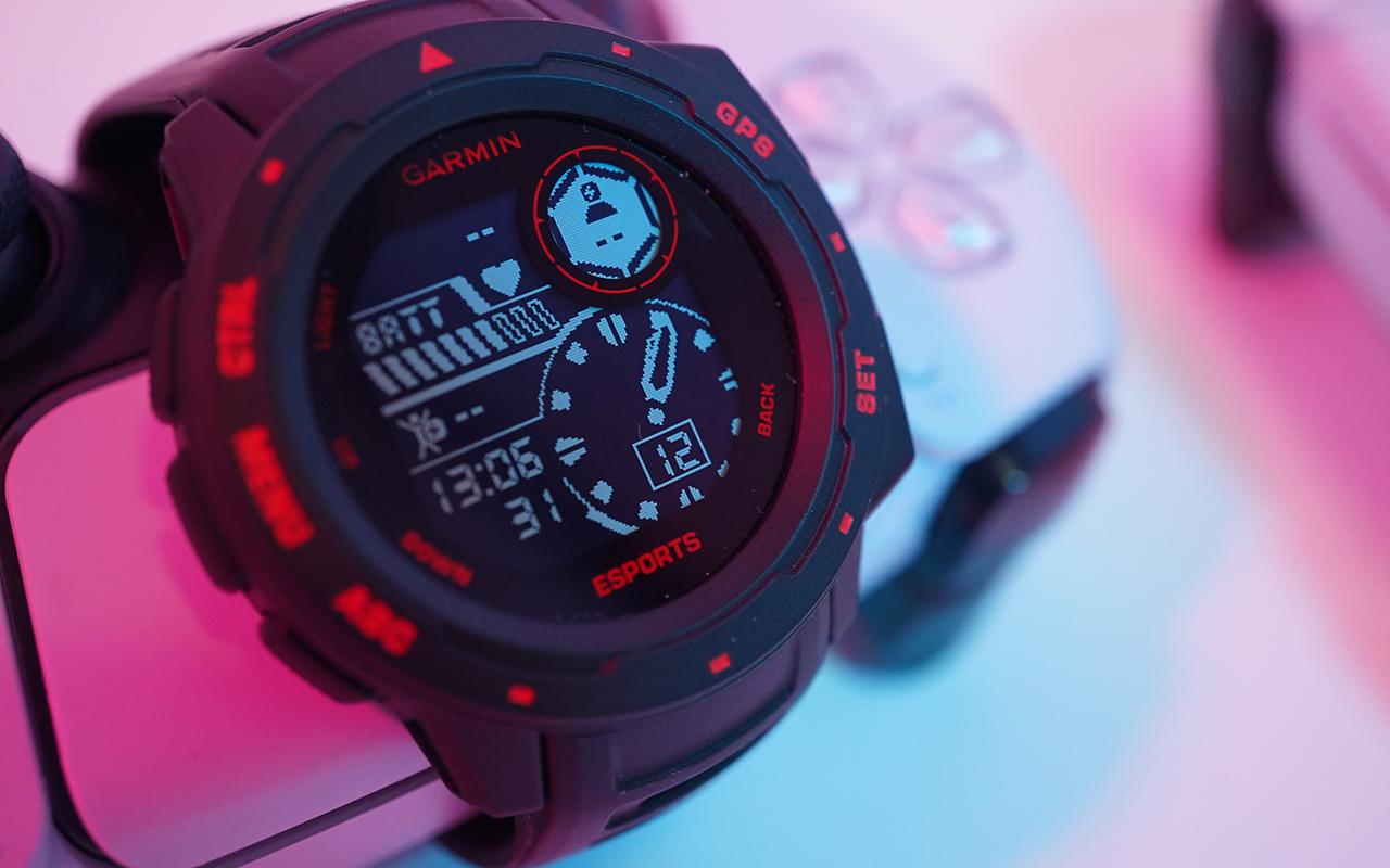 主打电竞功能的手表有什么不同?Garmin Instinct Esports 本能电竞版动手玩