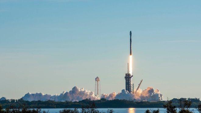SpaceX完成今年首次星链卫星发射 将第17批微型卫星送入轨道