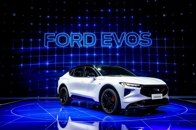 全新高端中大型SUV福特EVOS全球首发亮相上海车展