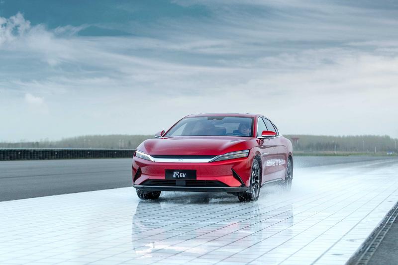领衔新能源汽车技术新高度,比亚迪汉在制动系统大下功夫