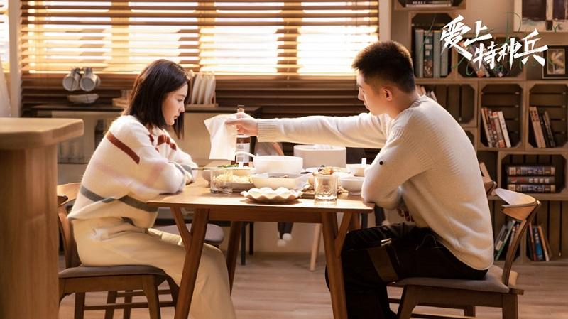 《爱上特种兵》打开军旅题材新思路  黄景瑜李沁开启合租新生活