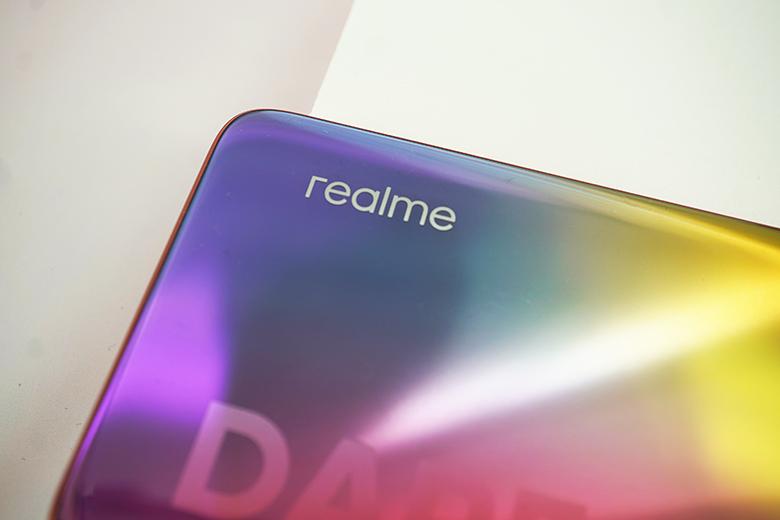 realme 和 Counterpoint 联合发布白皮书 2022年底每两部智能手机中就有一部5G手机