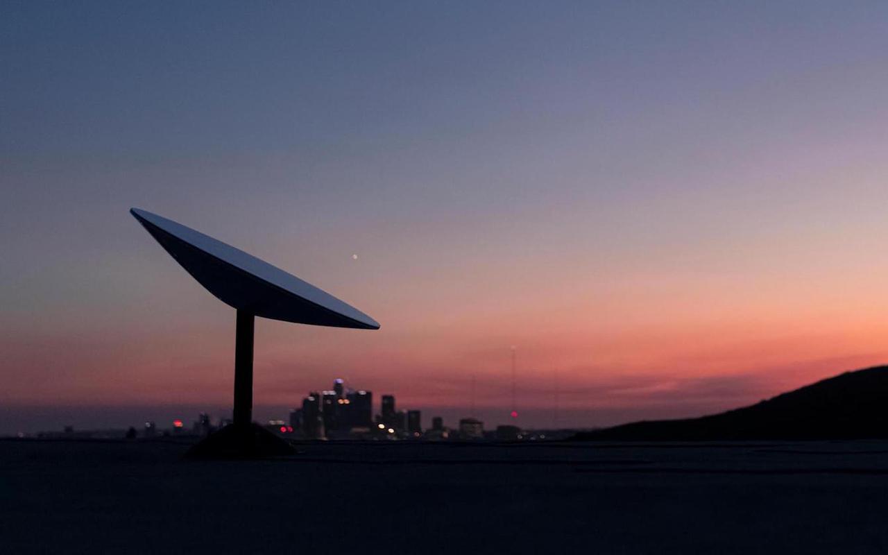 SpaceX 的 Starlink 卫星互联网设备无法承受 50 度高温