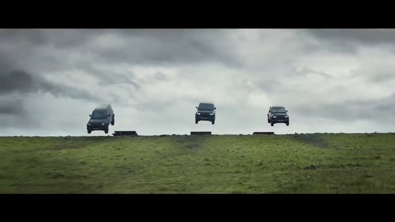 NO TIME TO DIE _ LAND ROVER NEW DEFENDER.mp4_20200218_142025.346.jpg