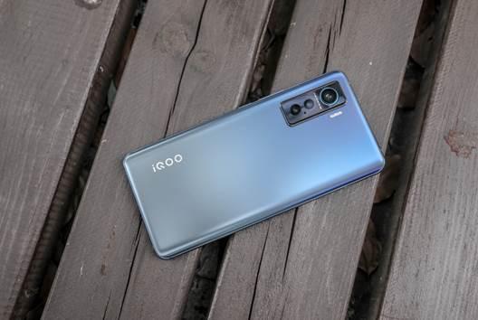 轻薄电竞利器:iQOO 5上手体验测评